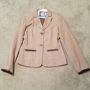 Brown blazer with polka dot detail